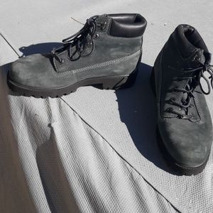Size 9 Skechers hiking boot